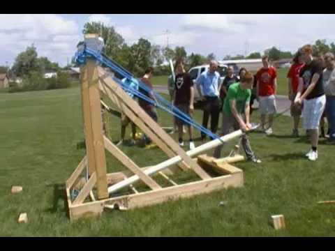Giant Hybrid Torsion Catapult