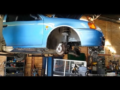 Toyota Starlet and Honda XL250 Restoration Part 2 - Dave and Mike Pull the Engine.