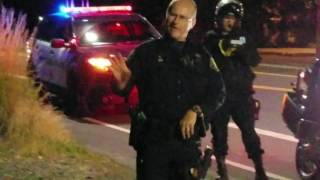 Traffic cop stops lady for driving with no license Portland Oregon