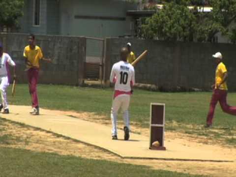Trinidad Windball Cricket 2012.mp4 - YouTube