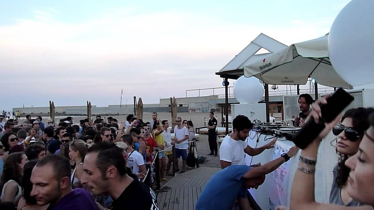 Ryan crosson sonar off visionquest meets lola ed mac for Beach club barcelona