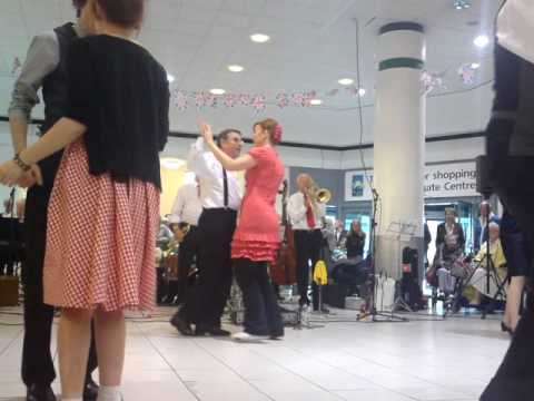 tees valley jazz men and lindy jazz dancers.MP4