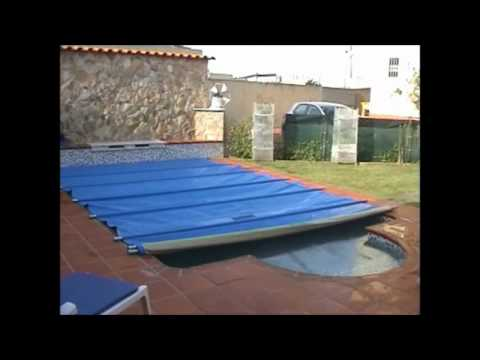 Cobertura sol swim de piscina youtube for Alberca con jardin