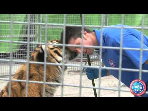 Ringling Bros. Presents DRAGONS - Meet Alexander Lacey, Lion & Tiger Presenter