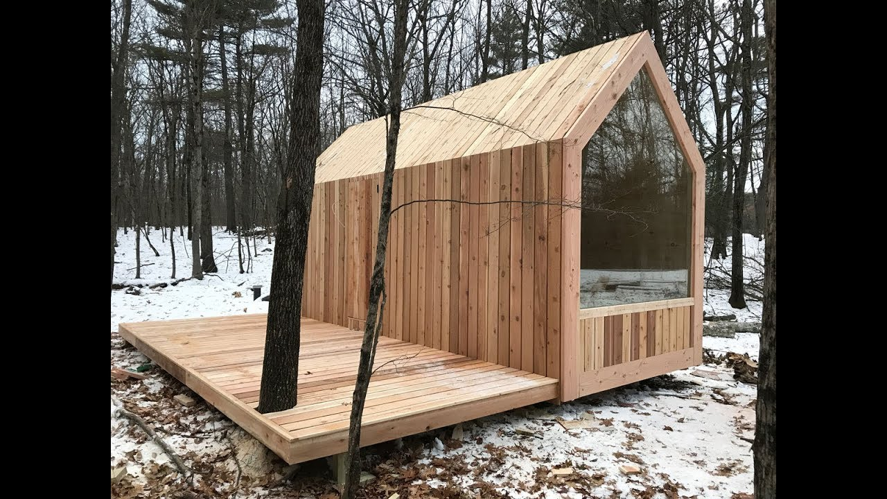 Setting Glamping Lushna Petite cabins in upstate NY