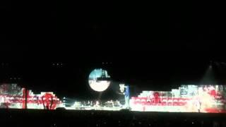 Концерт Pink Floyd в Москве 23.04.2011 - Фрагмент 3(Перед представлением было объявлено о допустимости съемки., 2011-04-27T21:32:52.000Z)