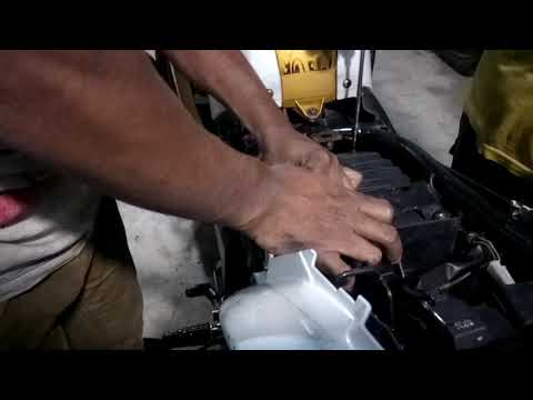 Yamaha FZ-s Air Filter Cleaning @Dr. Moto