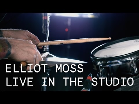 Elliot Moss – Closedloop – Live in the Studio