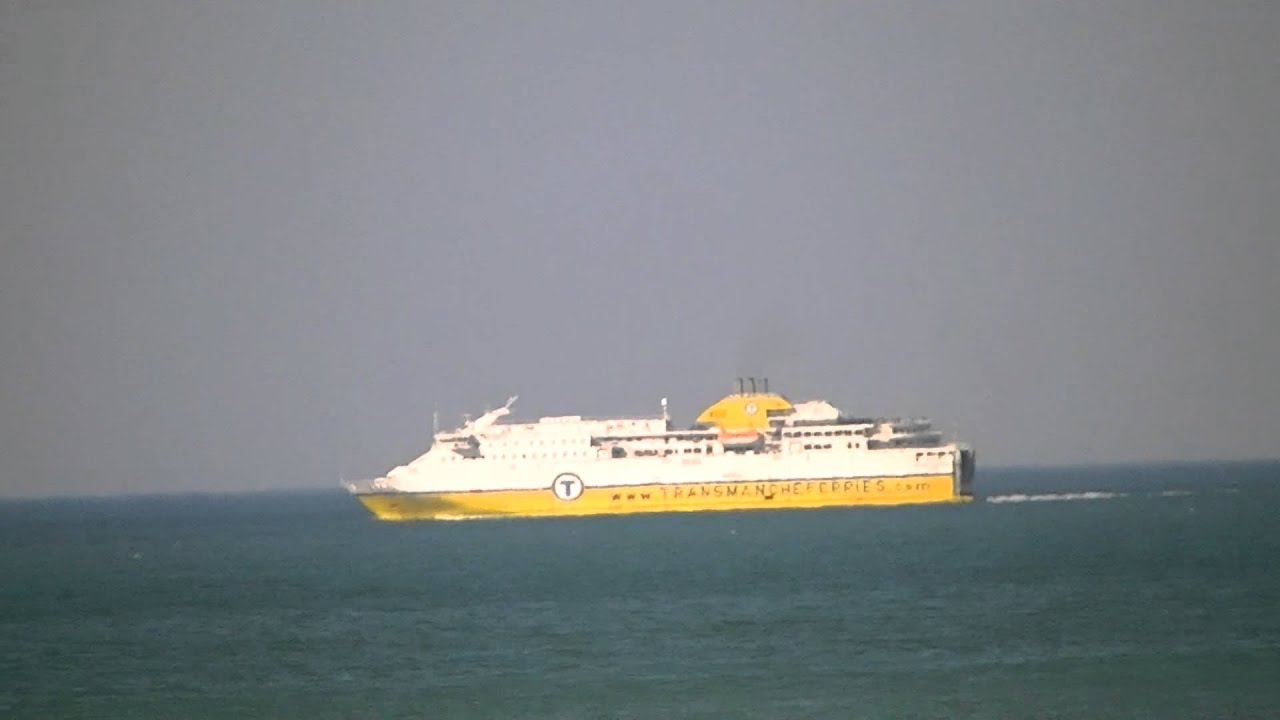 le bateau pour l angleterre vu de pourville sur mer youtube