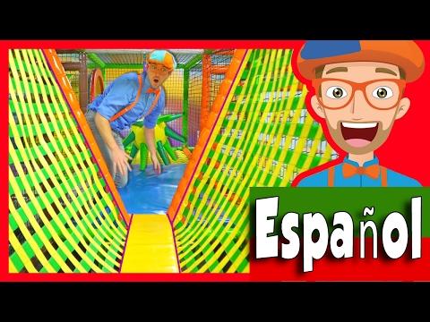 El Patio de Juegos Cubierto con Blippi Español | Aprende Los Colores y Más