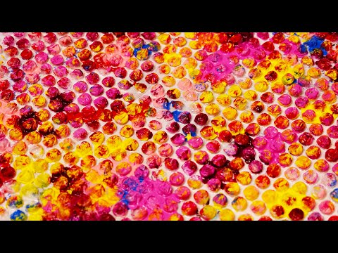 Colorful Bubble wrap Abstract Painting Demonstration / Satisfying