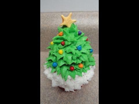 decorating-cupcakes-#22:-christmas-tree