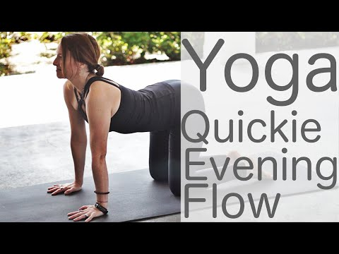 10 Minute Yoga Quickie (Bedtime Night Flow) | Fightmaster Yoga Videos