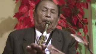Julio Rosales Huatuco - Vida pasajera