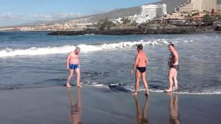 МОИ Путешествия!!! Тенерифе-Атлантический океан. видео 1(ИСПАНИЯ. пляж юга острова Тенерифе , Атлантический океан, январь месяц., 2015-11-07T07:09:53.000Z)