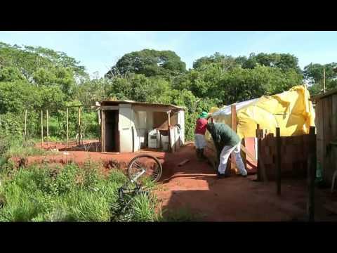 Família que mora em favela perde tudo em incêndio