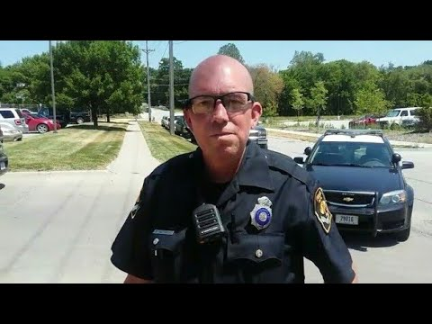 YOU NEED TO LISTEN ME I DONT ANSWER QUESTIONS FIRST AMENDMENT AUDIT ID REFUSAL POLICE OWNED