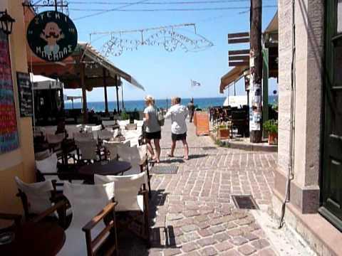 Centrum stad Petra eiland Lesbos Griekenland. City centre of Petra Lesvos island, Greece.