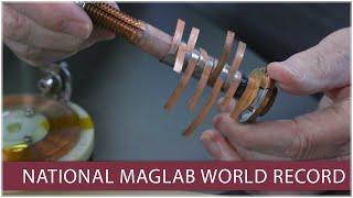 الوطنية MagLab يخلق العالم-سجل المجال المغناطيسي مع صغير لفائف