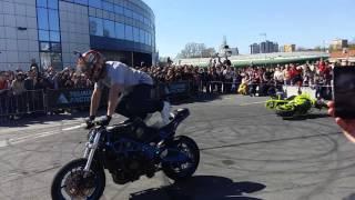Royal auto show 2016 stunt
