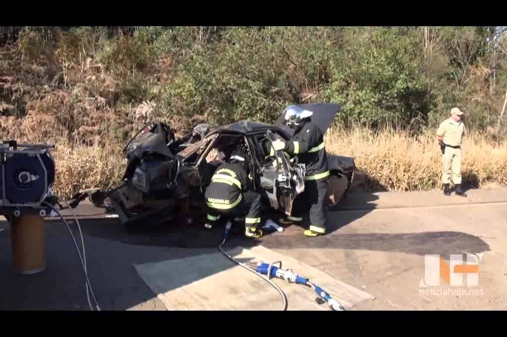 Três jovens morrem em acidente na SC...