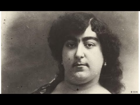 A story of Princess Qajar with Mustache: Men killed themselves for her!!