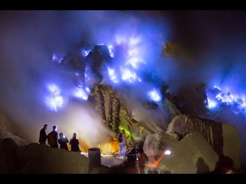 KAWAH IJEN Blue fire East Java - Before you go there watch this video