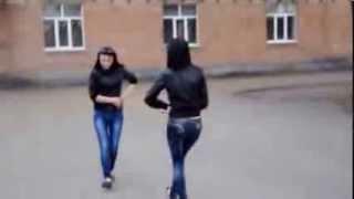 Лезгинка.учимся танцевать..как же классно они танцуют..(девушки танцуют., 2013-10-24T11:17:27.000Z)