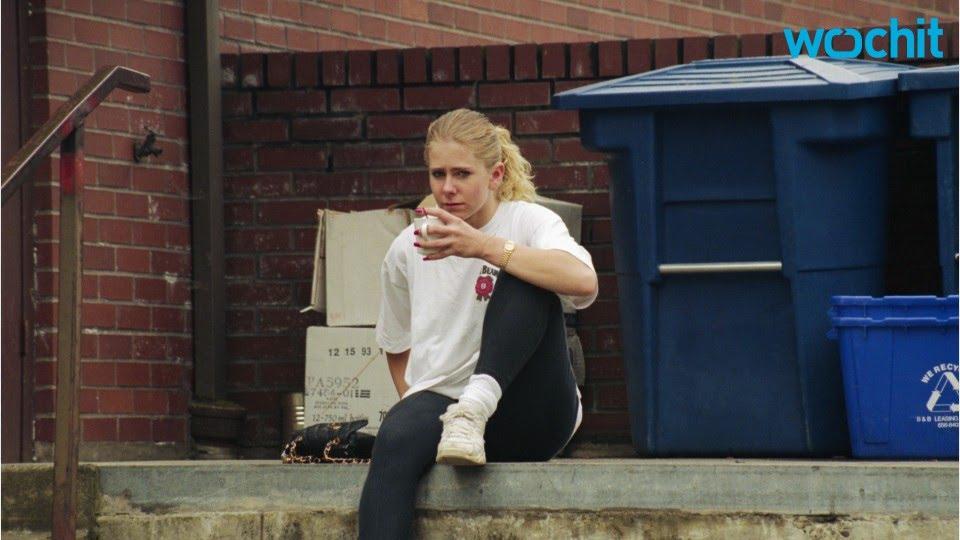 Tonya Harding Smoker >> Margot Robbie Looks Nearly Unrecognizable As Tonya Harding On I