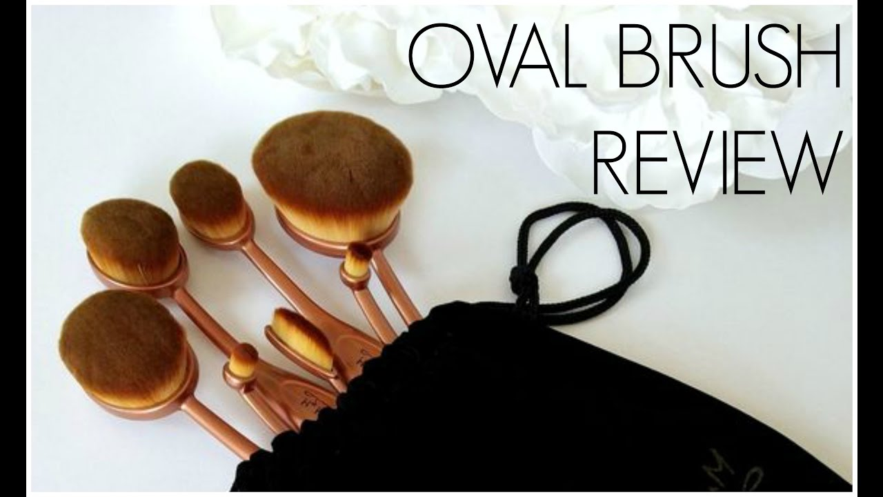 Flawless Foundation with Oval Brushes // My Makeup Brush Set|  TheSarahSalvini