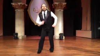 Så dansar Rickard Söderberg när ingen ser