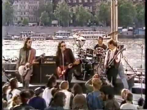 THE MISSION UK  BEYOND THE PALE  TOWER OF STRENGTH  at London 1988