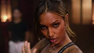 Victoria's Secret angels Jasmine Tookes and Josephine Skriver trying Kung Fu