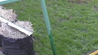видео Удобрения для газона: чем подкормить газон летом, весной и осенью