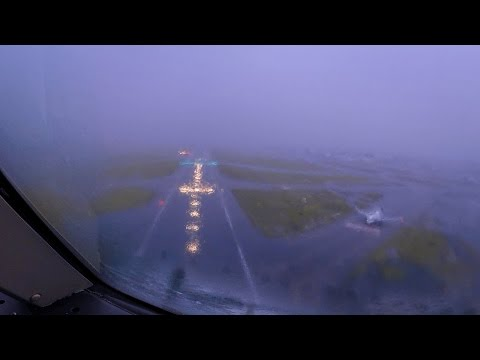 BAD WEATHER Landing at Mexico City (Boeing 767-300ER)
