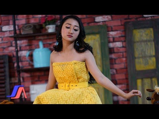 Sandrina - Di Tikung Teman (Official ***** Video)