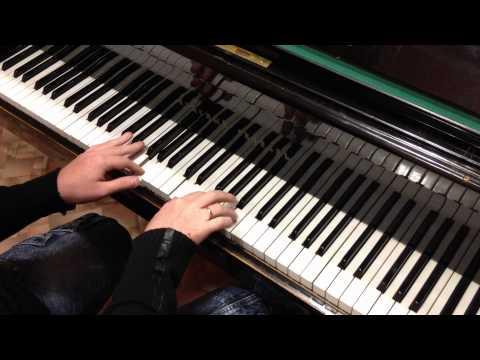 Клип Cosmic Birds - Piano Lessons
