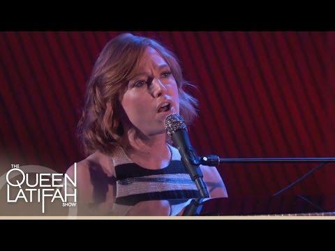 Alicia Witt Performs