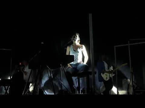 Charlotte Gainsbourg «Lemon Incest» Lyon Fourvière le 16/07/18...