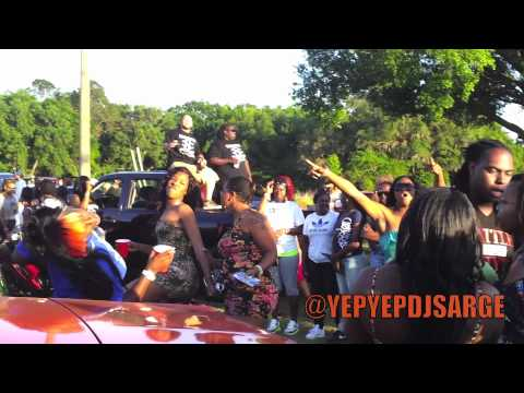 FEMALES IN TALLAHASSEE RUNNIN THEY MOUTH AT THE CARSHOW