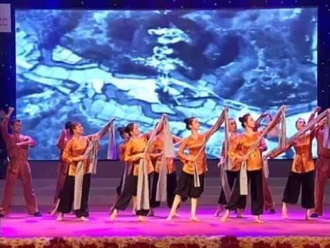 """Nhà hát Ca múa nhạc Việt Nam Chương trình Nghệ thuật sử thi """" Tự Hào Nông Dân Việt nam"""""""