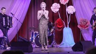 """Песня """"Ах, водевиль, водевиль..."""" в исполнении Ангелины Сергеевой"""