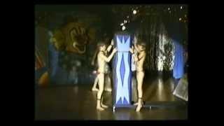 Repeat youtube video Youth Circus Santelli - uitvoering (1)