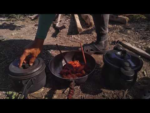 충견 진돗개 황도 사냥 성공으로 3가지 흑염소요리
