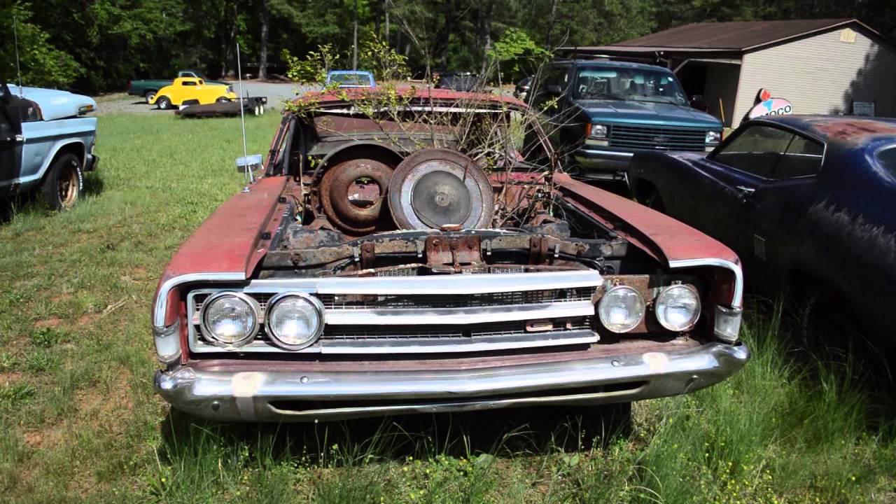CLASSIC CUSTOM CARS & PICKUPS