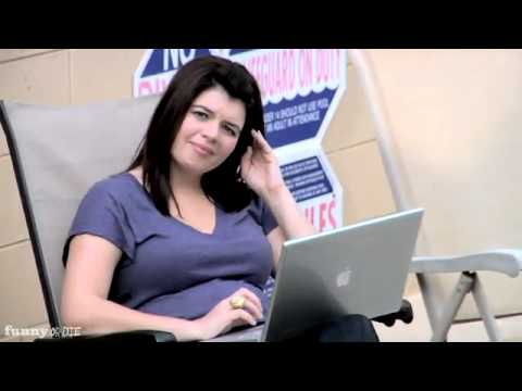 SNL's Casey Wilson Reads Internet Comments