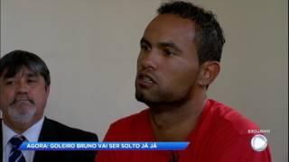 """""""Eu vou dar a volta por cima"""" afirma goleiro Bruno em entrevista com Rezende"""