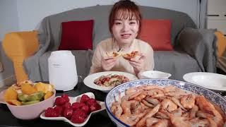 【大胃王余多多】大胃女孩周末怎么宠爱自己?一锅香肠饭两盆白灼虾三块牛排四块披萨,超大杯果汁喝不停丨MUKBANG Competitive Eater Challenge Eating Show|大食い