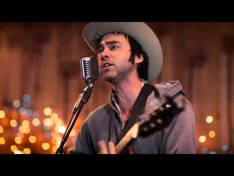 Shakey Graves - Built To Roam (Live in Lubbock)