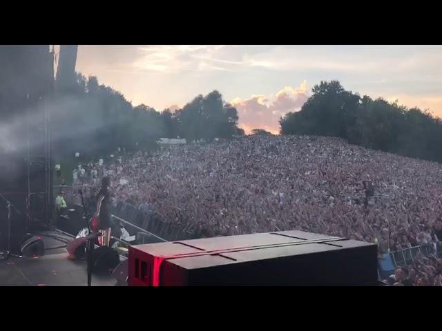 Земфира – Прогулка | Москва (04.08.2018)